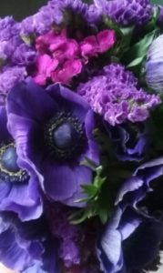 spectacular-purple-wedding-flowers